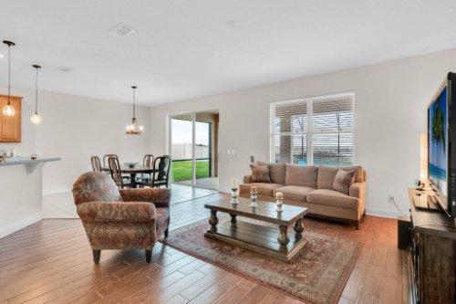9819-Royal-Vista-Ave--Clermont--FL-34711----32---Family-Room.jpg