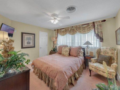 521-Virginia-Dr--Winter-Park--FL-32789----09---Bedroom.jpg