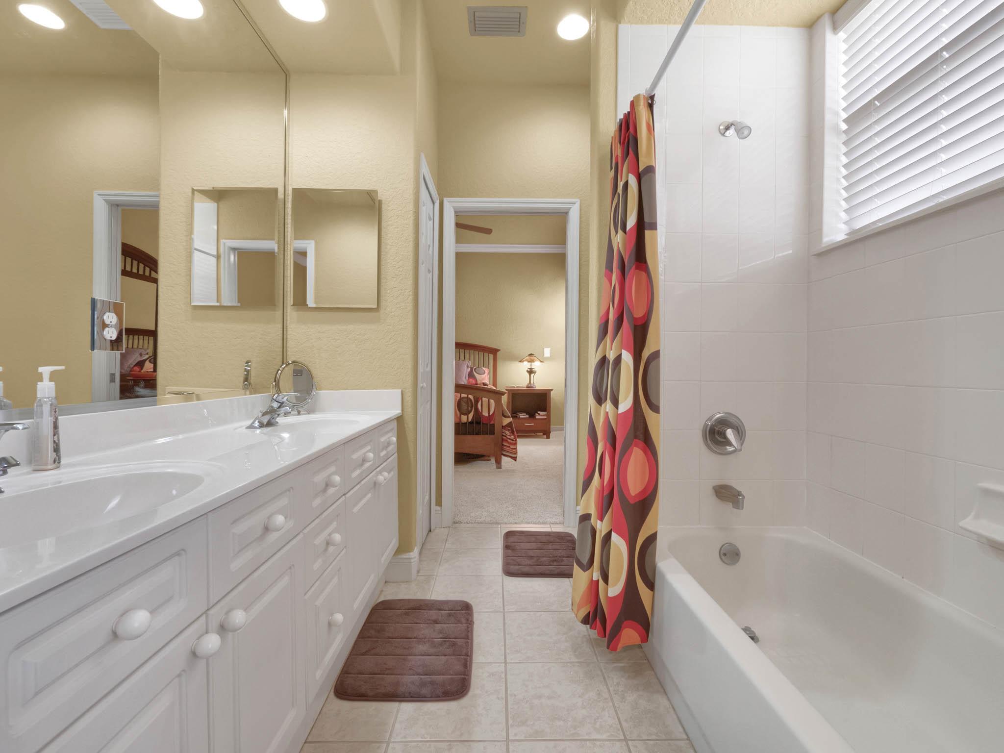 3213-Regal-Crest-Dr--Longwood--FL-32779----32---Bathroom.jpg