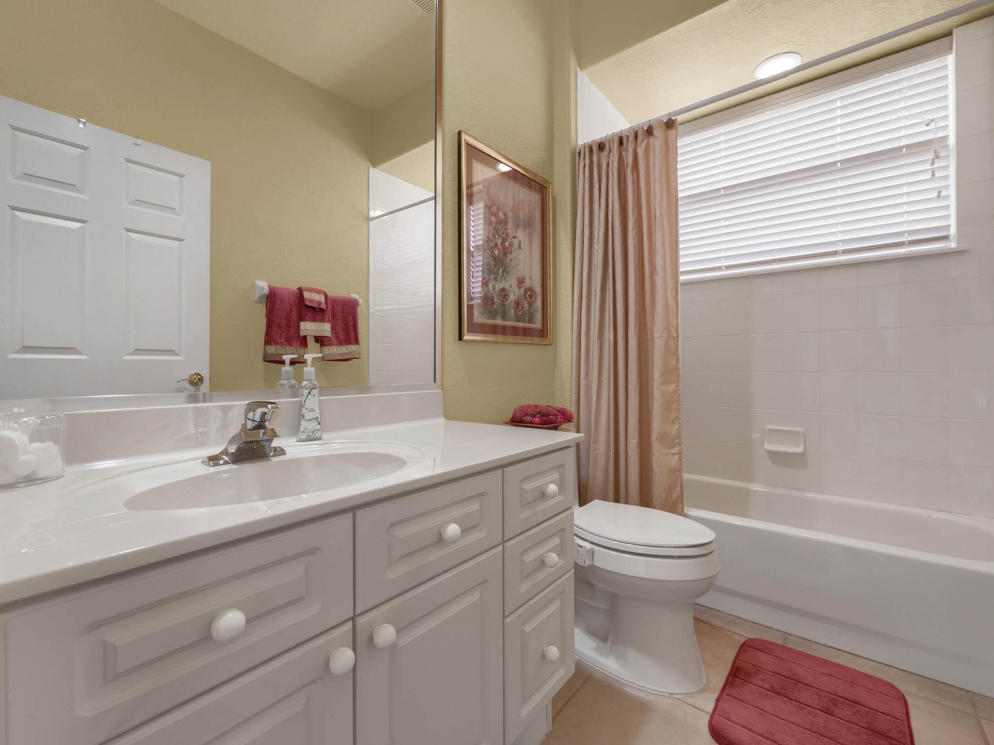 3213-Regal-Crest-Dr--Longwood--FL-32779----36---Bathroom.jpg