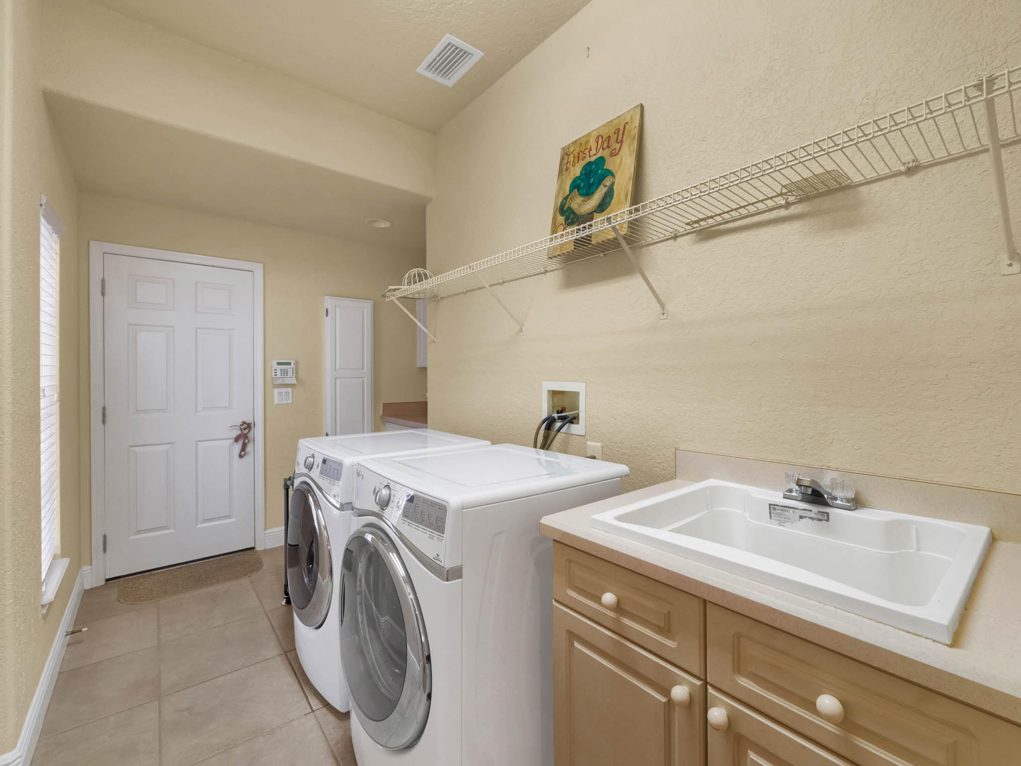 3213-Regal-Crest-Dr--Longwood--FL-32779----37---Laundry.jpg