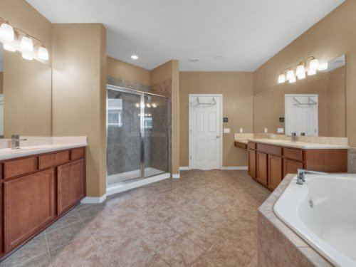 11861-Cave-Run-Ave--Windermere--FL-34786---20---Master-Bathroom.jpg