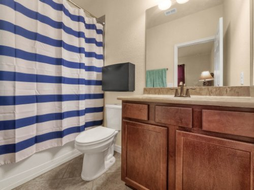 11861-Cave-Run-Ave--Windermere--FL-34786---23---Bathroom.jpg