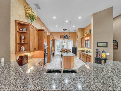 960-Brightwater-Cir--Maitland--FL-32751---15---Kitchen.jpg