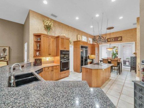 960-Brightwater-Cir--Maitland--FL-32751---16---Kitchen.jpg