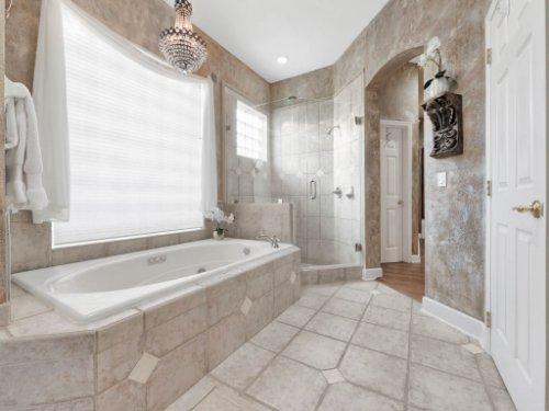 960-Brightwater-Cir--Maitland--FL-32751---34---Master-Bathroom.jpg