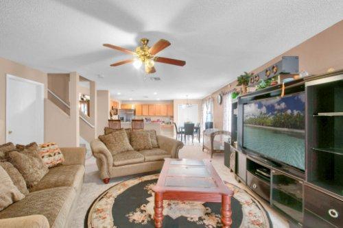 4715-Langdale-Dr--Orlando--FL-32808----06---Family-Room.jpg