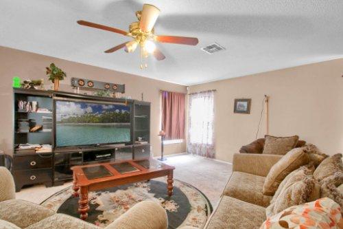 4715-Langdale-Dr--Orlando--FL-32808----08---Family-Room.jpg