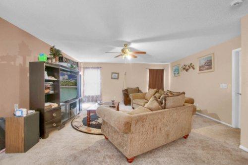 4715-Langdale-Dr--Orlando--FL-32808----09---Family-Room.jpg