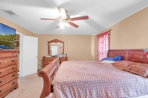 4715-Langdale-Dr--Orlando--FL-32808----18---Master-Bedroom.jpg