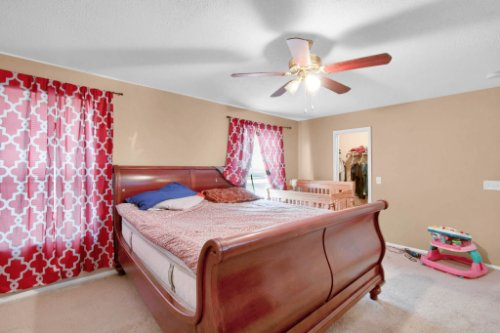 4715-Langdale-Dr--Orlando--FL-32808----19---Master-Bedroom.jpg