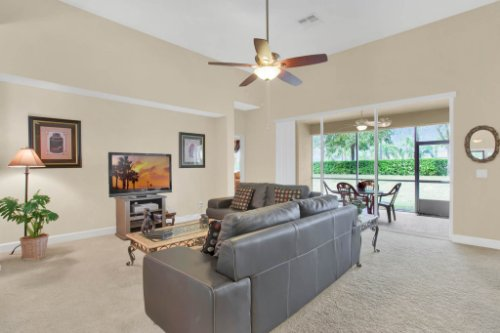 3289-Saloman-Ln--Clermont--FL-34711---08---Family-Room.jpg