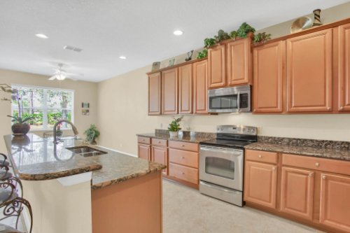 3289-Saloman-Ln--Clermont--FL-34711---12---Kitchen.jpg