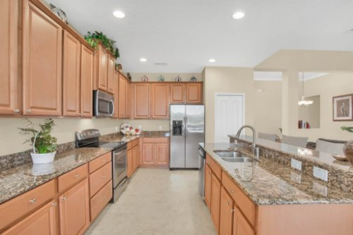 3289-Saloman-Ln--Clermont--FL-34711---15---Kitchen.jpg