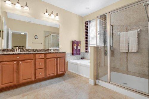 3289-Saloman-Ln--Clermont--FL-34711---22---Master-Bathroom.jpg