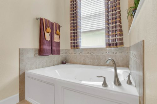 3289-Saloman-Ln--Clermont--FL-34711---24---Master-Bathroom.jpg