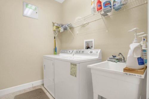 3289-Saloman-Ln--Clermont--FL-34711---30---Laundry.jpg