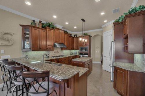 4900-Red-Brick-Run--Sanford--FL-32771----15---Kitchen.jpg