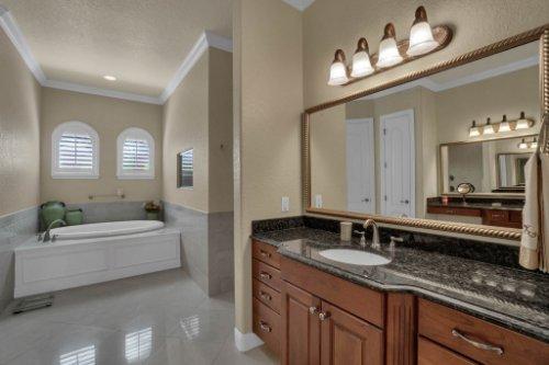 4900-Red-Brick-Run--Sanford--FL-32771----25---Master-Bathroom.jpg