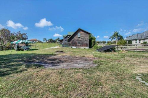 38726-Sulen-Rd--Lady-Lake--FL-32159----26---Backyard.jpg
