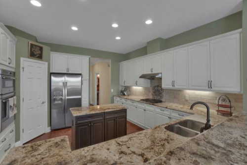 3267-Regal-Crest-Dr--Longwood--FL-32779----16---Kitchen.jpg