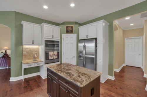 3267-Regal-Crest-Dr--Longwood--FL-32779----17---Kitchen.jpg