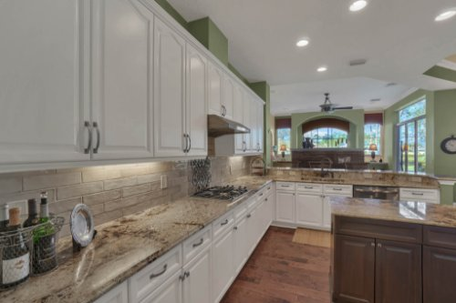 3267-Regal-Crest-Dr--Longwood--FL-32779----18---Kitchen.jpg
