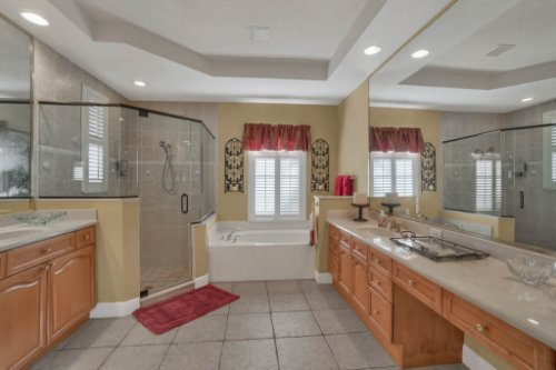 3267-Regal-Crest-Dr--Longwood--FL-32779----25---Master-Bathroom.jpg