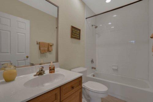 3267-Regal-Crest-Dr--Longwood--FL-32779----29---Bathroom.jpg