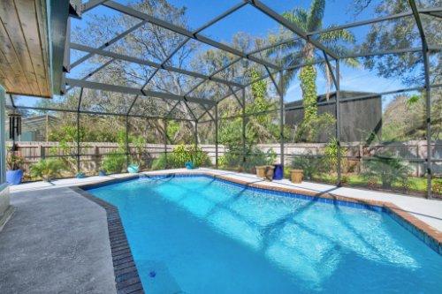 7101-Tallowtree-Ln--Orlando--FL-32835----07---Pool.jpg