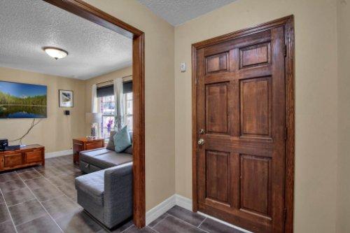 7101-Tallowtree-Ln--Orlando--FL-32835----11---Foyer.jpg