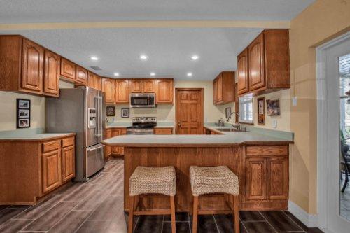 7101-Tallowtree-Ln--Orlando--FL-32835----18---Kitchen.jpg