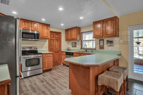 7101-Tallowtree-Ln--Orlando--FL-32835----19---Kitchen.jpg