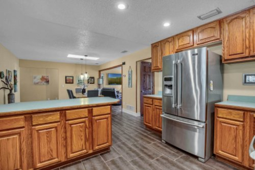 7101-Tallowtree-Ln--Orlando--FL-32835----20---Kitchen.jpg