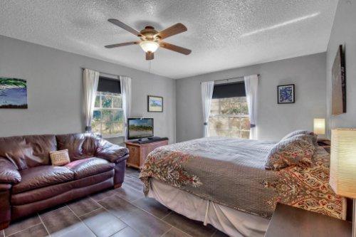 7101-Tallowtree-Ln--Orlando--FL-32835----22---Master-Bedroom.jpg