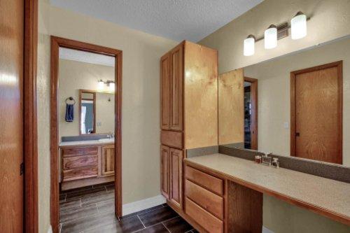 7101-Tallowtree-Ln--Orlando--FL-32835----24---Master-Bathroom.jpg