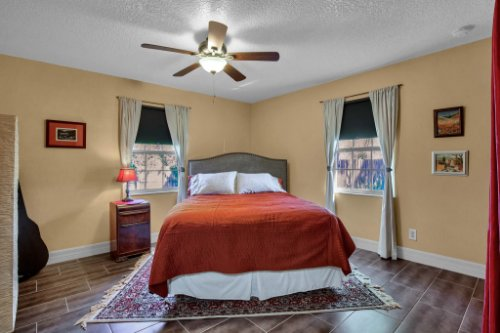 7101-Tallowtree-Ln--Orlando--FL-32835----26---Bedroom.jpg