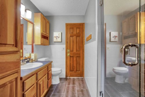 7101-Tallowtree-Ln--Orlando--FL-32835----28---Bathroom.jpg