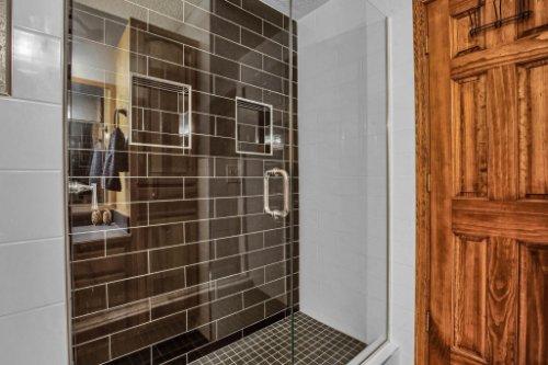 7101-Tallowtree-Ln--Orlando--FL-32835----29---Bathroom.jpg