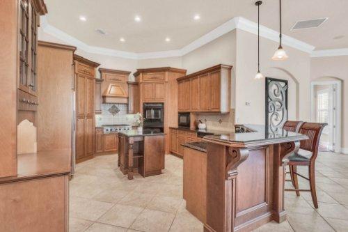 8234-Stone-Mason-Ct--Windermere--FL-34786----17---Kitchen.jpg