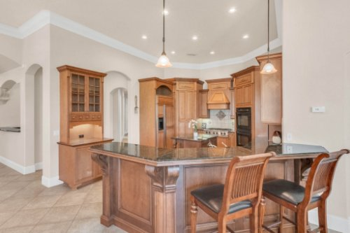 8234-Stone-Mason-Ct--Windermere--FL-34786----20---Kitchen.jpg