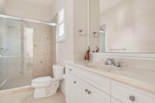 8234-Stone-Mason-Ct--Windermere--FL-34786----30---Bathroom.jpg