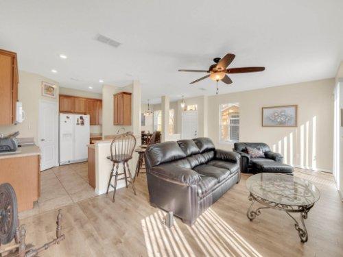 1721-Pine-Oak-Trail--Sanford--FL-32773----07---Family-Room.jpg