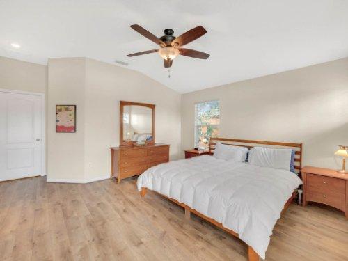 1721-Pine-Oak-Trail--Sanford--FL-32773----15---Master-Bedroom.jpg