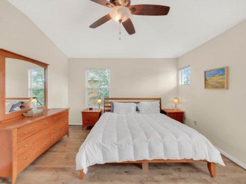 1721-Pine-Oak-Trail--Sanford--FL-32773----17---Master-Bedroom.jpg