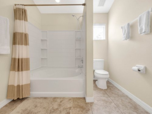 1721-Pine-Oak-Trail--Sanford--FL-32773----19---Master-Bathroom.jpg