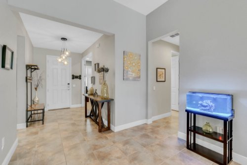 5008-Whistling-Wind-Ave--Kissimmee--FL-34758----04---Foyer.jpg