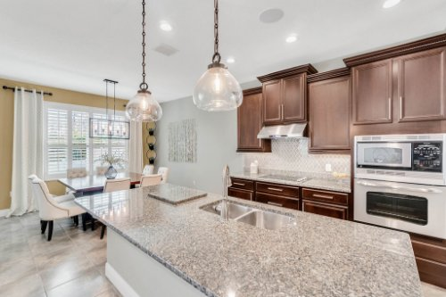 5008-Whistling-Wind-Ave--Kissimmee--FL-34758----15---Kitchen.jpg