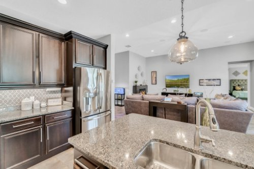 5008-Whistling-Wind-Ave--Kissimmee--FL-34758----16---Kitchen.jpg