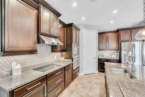 5008-Whistling-Wind-Ave--Kissimmee--FL-34758----18---Kitchen.jpg